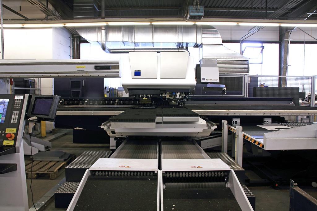Trumatic 7000 mit automatischer Be- und Endladung